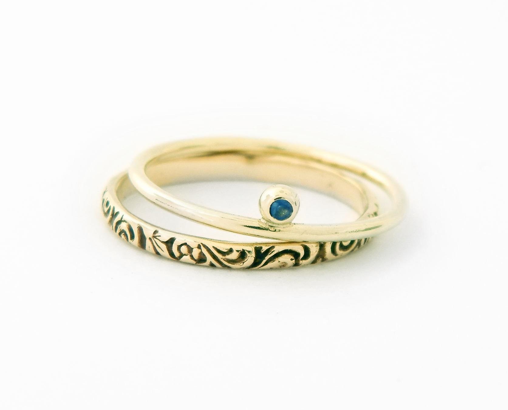 sada zlatých prstenů se safírem Modrá tečka