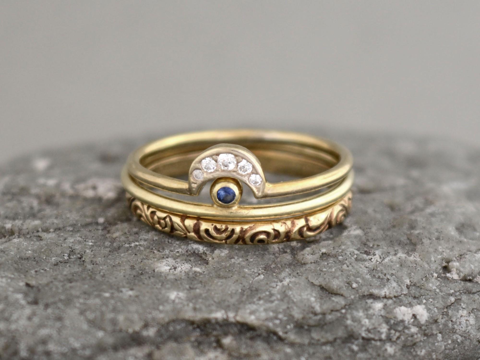 sada zlatých prstenů se safírem a zirkony Bo