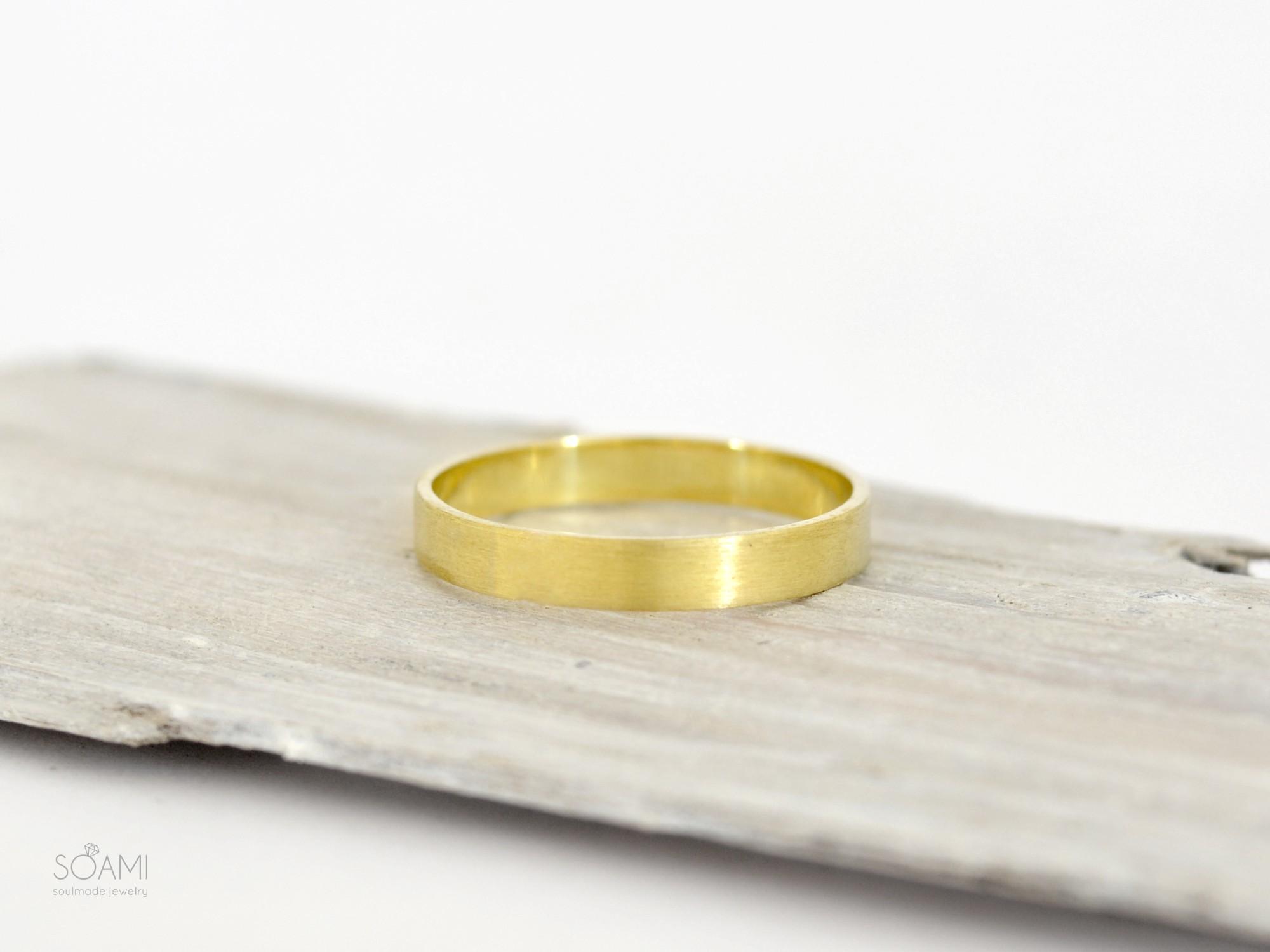 585 zlatý matný prsten