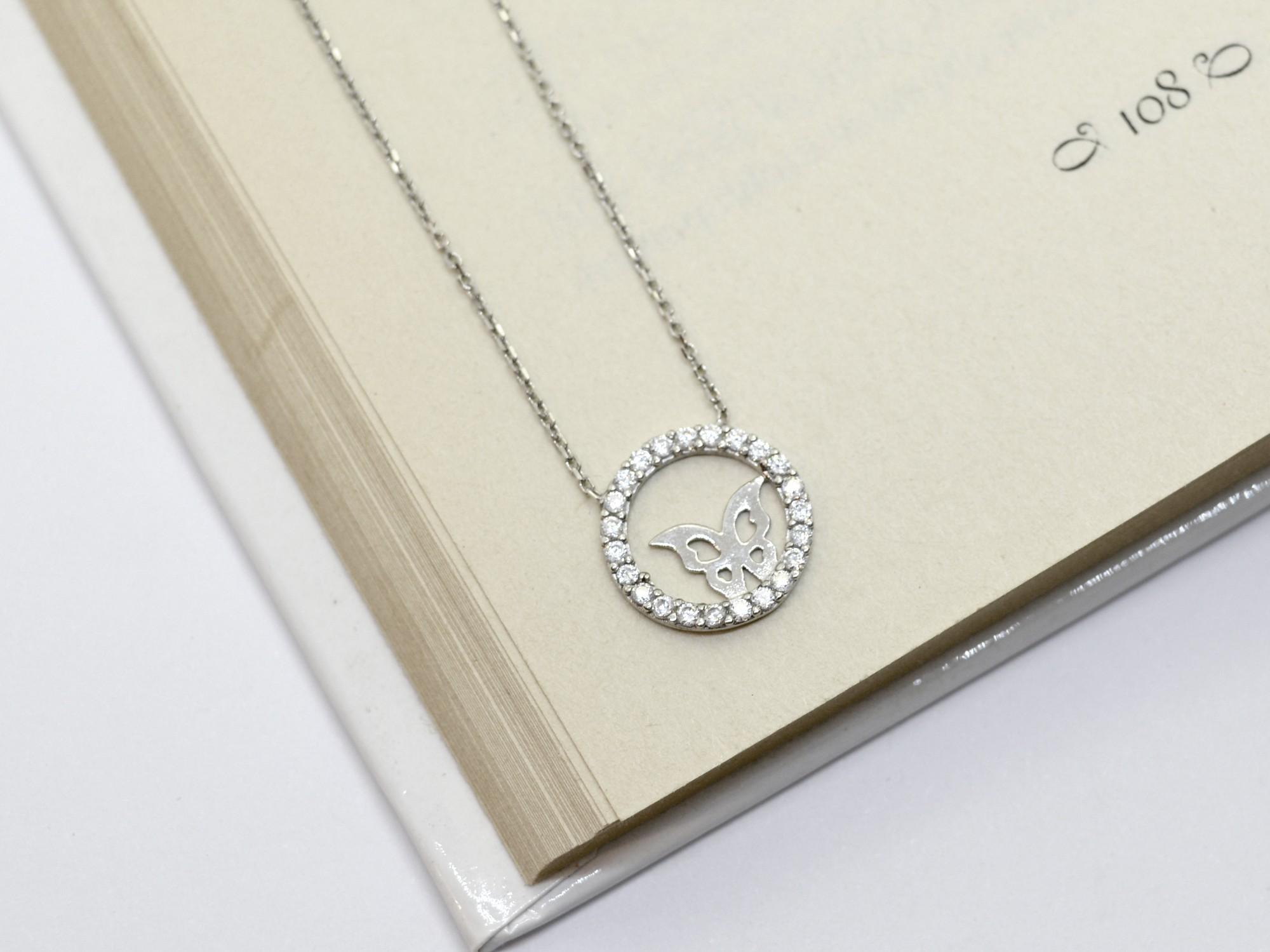 stříbrný náhrdelník se zirkony Motýlek v kruhu