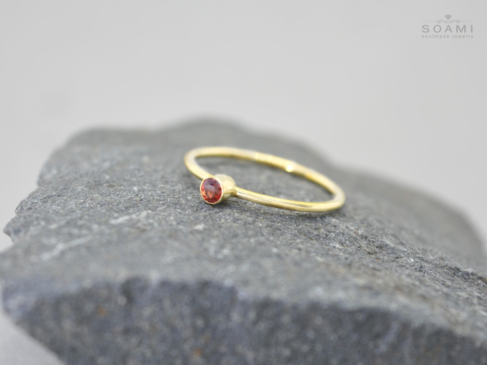 585 zlatý prsten s přírodním rubínem I