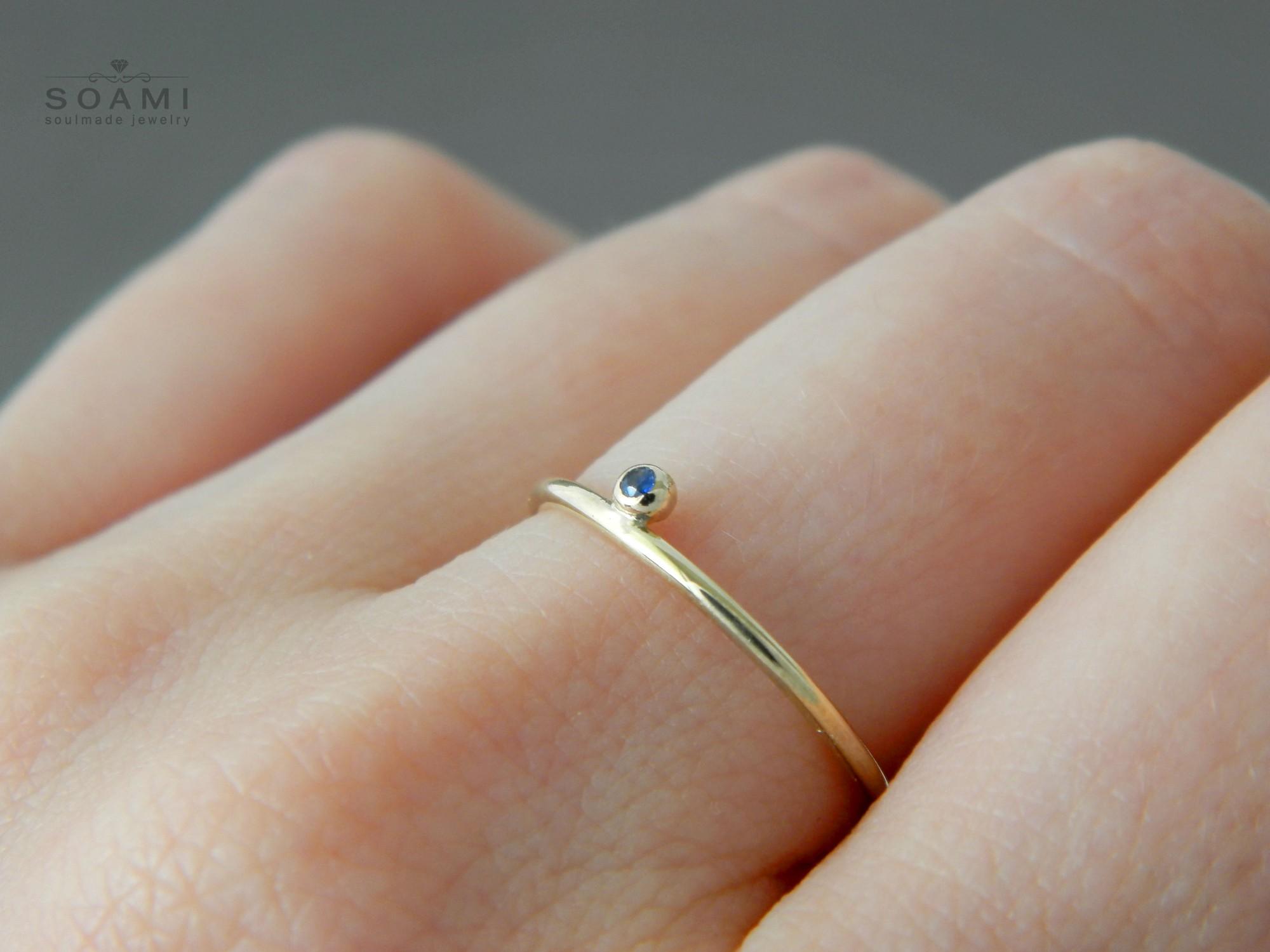zlatý prsten s přírodním modrým safírem Večernice