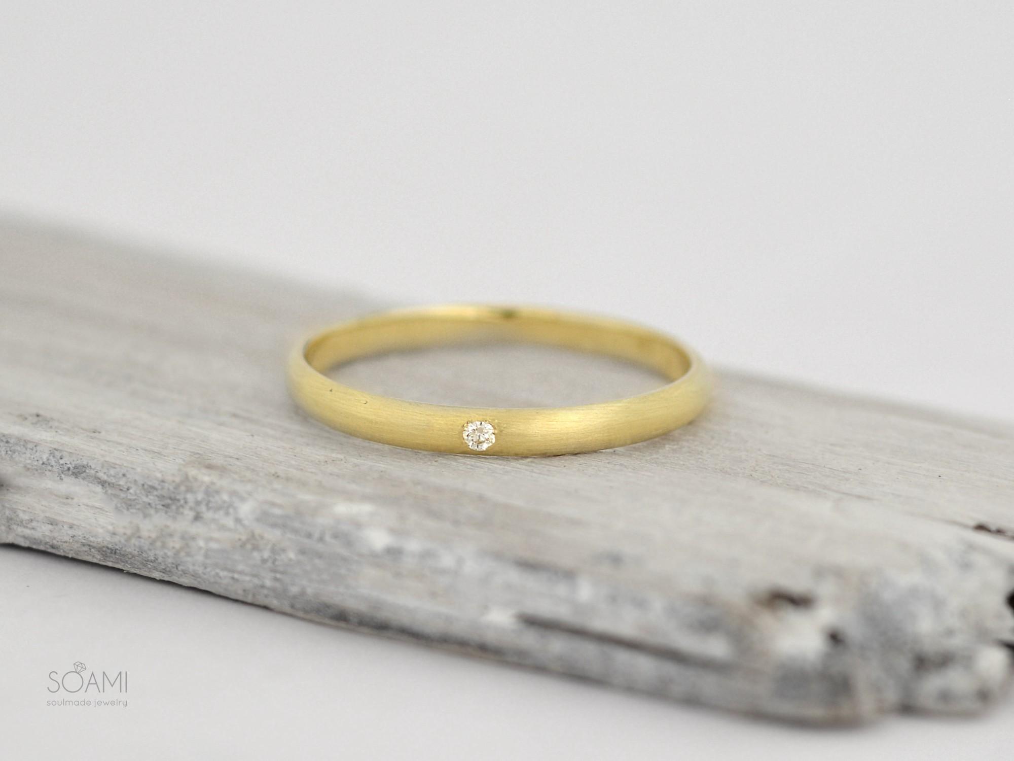 585 zlatý prsten s přírodním diamantem