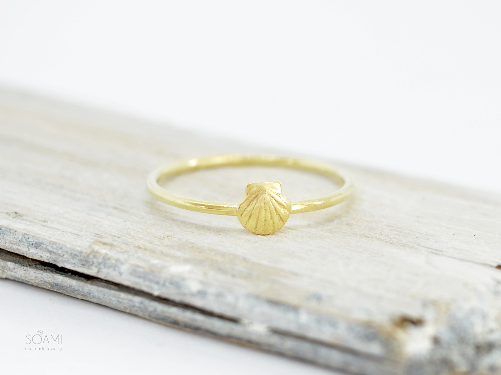 585 zlatý prsten Mušle