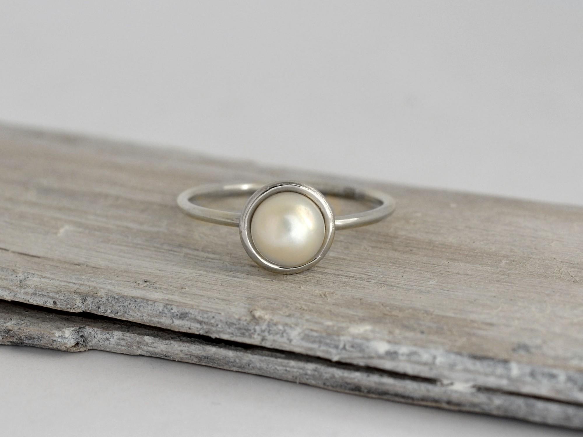 585 zlatý prsten s perlou Zani