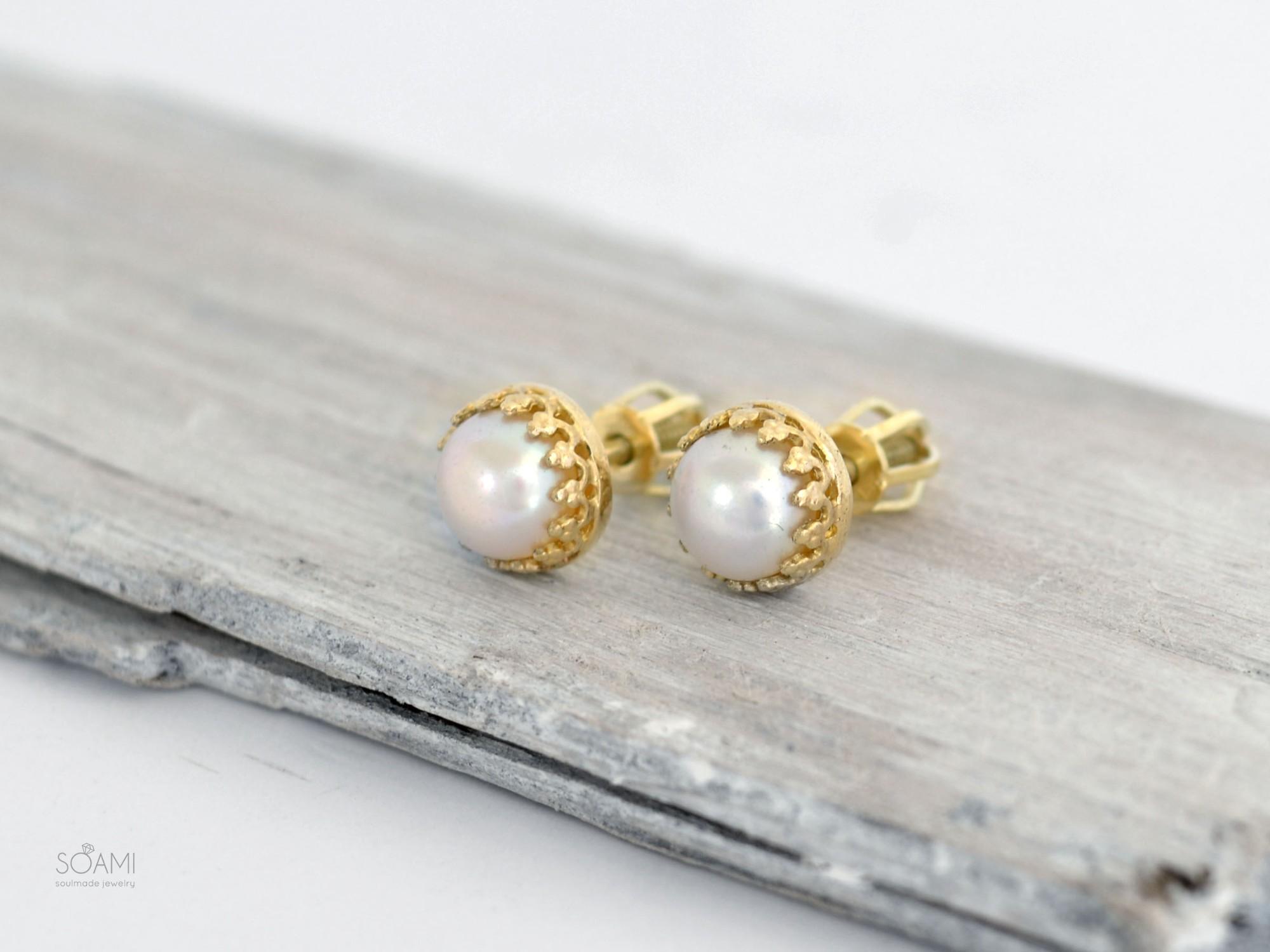 585 zlaté náušnice s přírodnou perlou